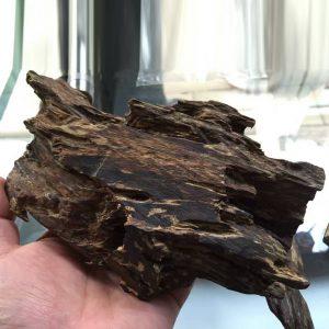 Коллекционный кусок ароматической древесины из Въетнама - 330 000 $