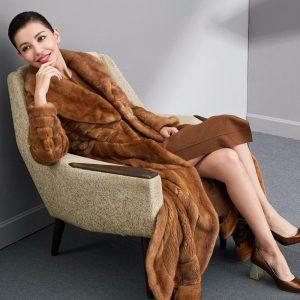 Женское норковое пальто из натурального меха - 30 000 $